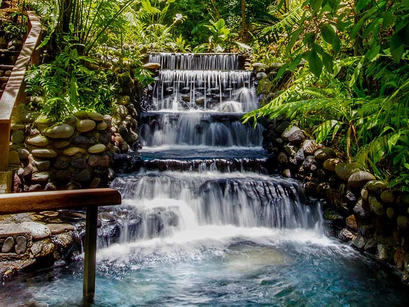 Arenal waterfall hotspring