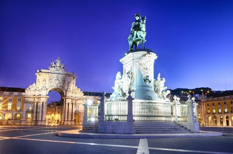 Praça do Comércio welcomes you to a proud city